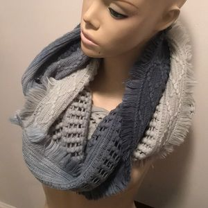NWOT Anthropologie Fraas two toned infinity scarf